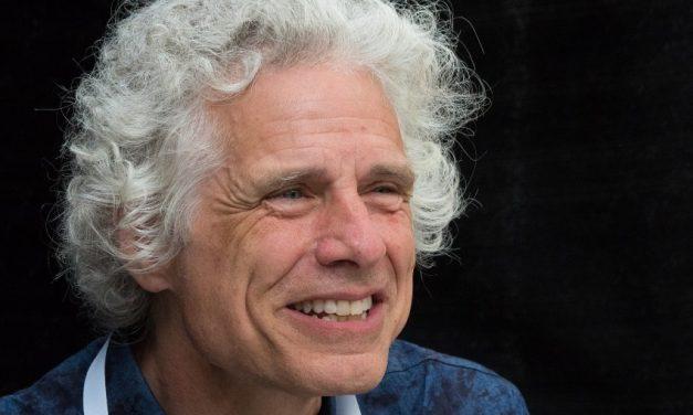 Por qué los periodistas necesitamos leer a Steven Pinker