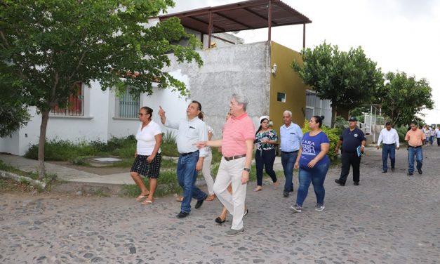 Felipe Cruz recorre Colonia Rinconada del Centenario
