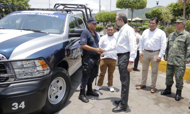 Entrega JIPS patrullas en Armería e Ixtlahuacán