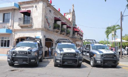 Fortalece Gobernador seguridad con entrega de patrullas en Cuauhtémoc