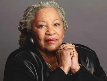 Fallece Toni Morrison, la primera mujer afroamericana que ganó el Nobel de Literatura