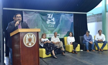 Reúne 34 aniversario a ex directores de la Facultad de Lenguas Extranjeras