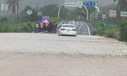 Se desborda ya el Río Marabasco; afecta al menos 5 comunidades: P. Civil de Manzanillo