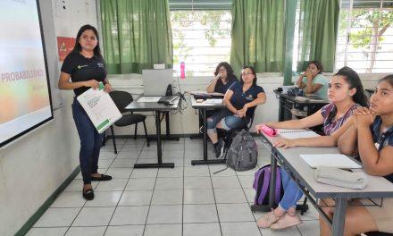 Presenta CEDEFU programas y proyectos a estudiantes
