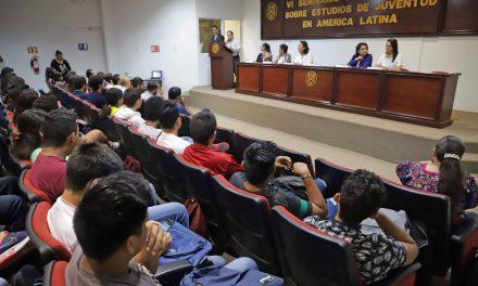 Dialogan en la UdeC sobre desafíos de la juventud en América Latina