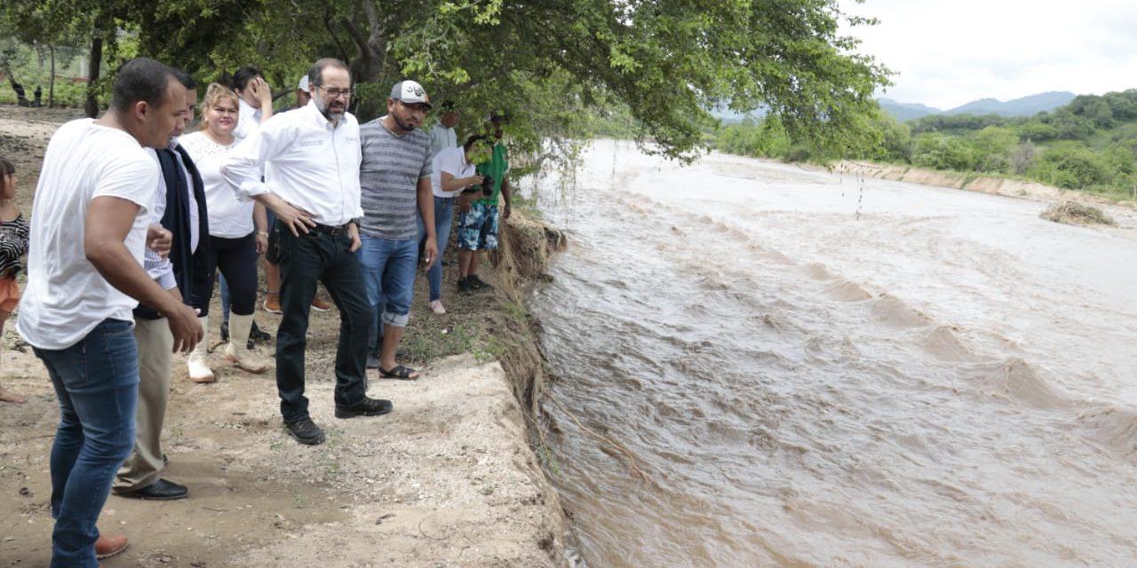 Recorre Gobernador zonas afectadas por la TT Narda; visitó localidades de los municipios de Tecomán y Armería
