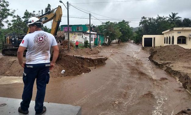 """En Manzanillo Protección Civil coordina las acciones por paso de la tormenta tropical """"Narda"""""""
