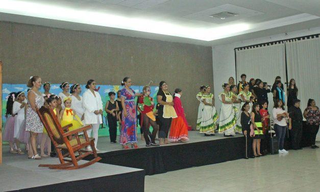 """Reestrenan """"Buenas costumbres"""", el musical, en Manzanillo"""