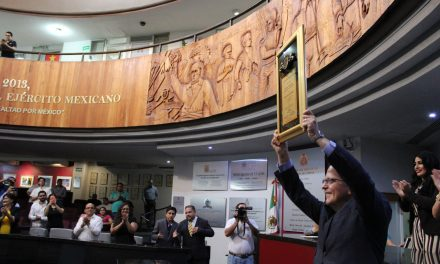 """Michael Hirsch Meillón, recibió la presea  """"Dr. Miguel Trejo Ochoa"""", al Mérito Médico"""