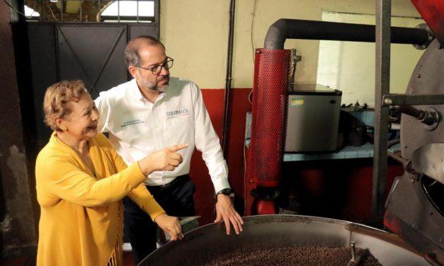 Gobernador visitó las instalaciones de la empresa Café Nogueras; se le han otorgado diversos apoyos