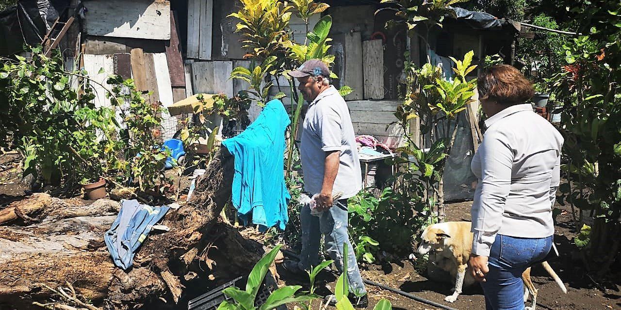 Denuncian vecinos drenaje pluvial que provoca inundaciones en colonia Villa Florida