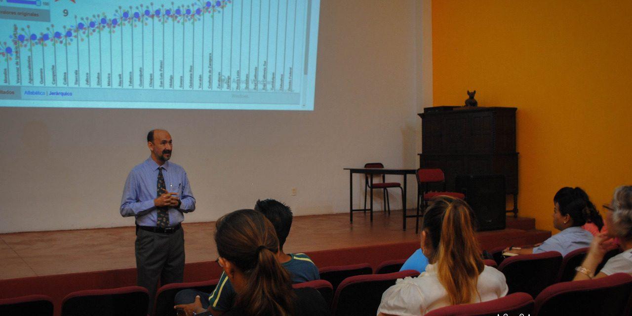 Brindó Ayuntamiento de Colima orientación sobre finanzas personales, en conferencia conjunta con la UdeC