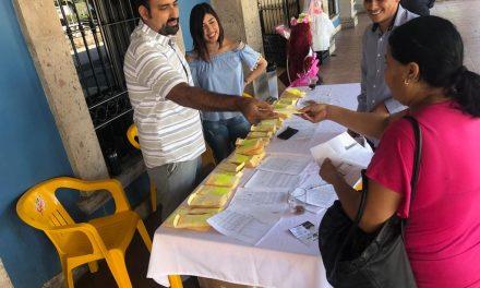 RAFAEL MENDOZA REALIZA LA ENTREGA DE BOLETOS DEL TRANSPORTE ESCOLAR 100% GRATUITO