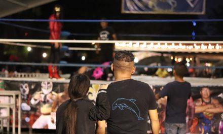 Realizan función de Lucha Libre en la Feria de Todos los Santos