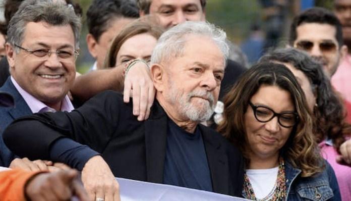 Lula da Silva en libertad provisional agita la política brasileña