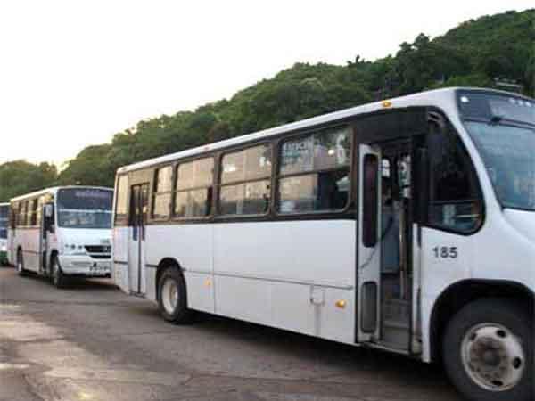 Inicia la aseguradora con el pago de indemnizaciones por el accidente en Comala