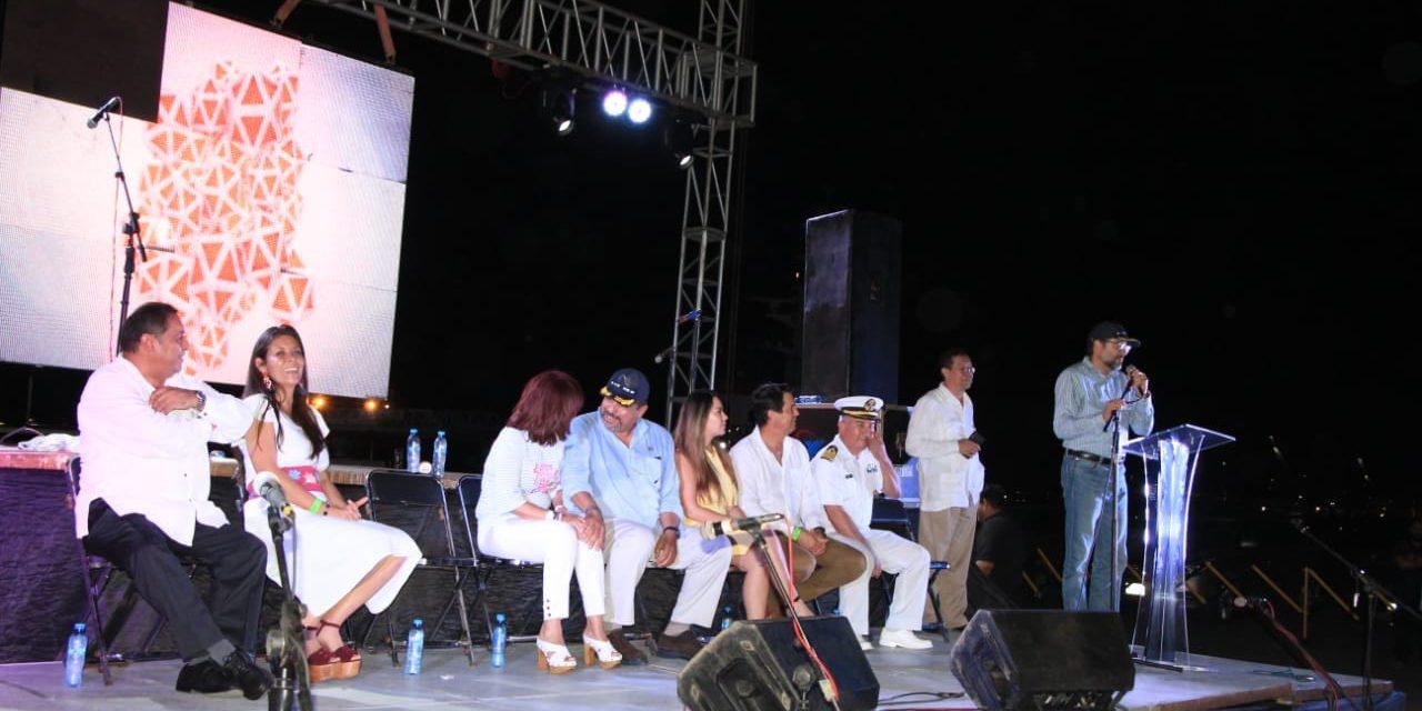 Gobernador celebra 25 años de operación de la API de Manzanillo