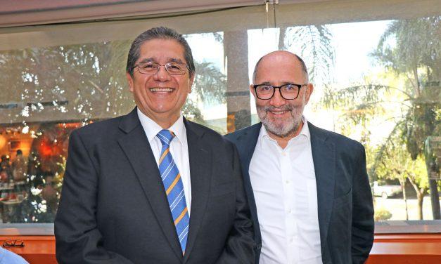 Conversan rector y ex ministro de la SCJN, José Ramón Cossío Díaz en la FIL 2019