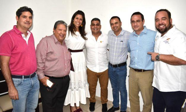 Secretaria de Turismo entrega nombramiento a titular de Canirac Tecomán, Héctor García Medina