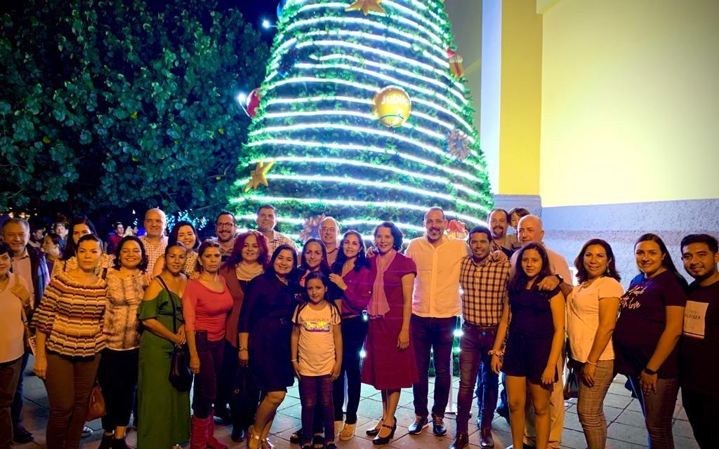 Inicia temporada navideña en el centro de la ciudad de Colima