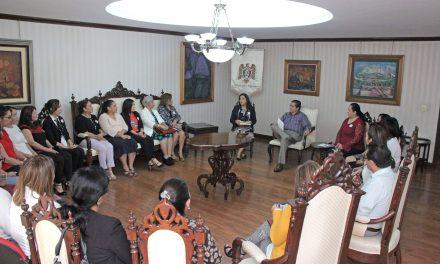 Visita nueva mesa directiva de la ACU al rector de la Universidad de Colima