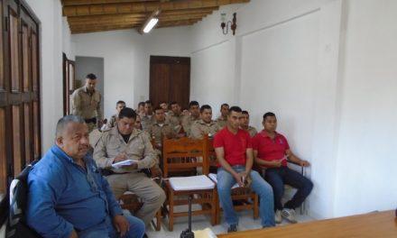 """Capacitó Profepa a 25 vigilantes ambientales del Área Natural Protegida """"El Jabalí"""", en Comala"""