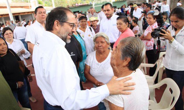 Gobernador entrega cancha techada y rehabilitación de Casa Ejidal en La Caja