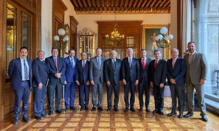 Este lunes el Gobernador Peralta se reunió con el Presidente de la República; acuerdan trabajo conjunto