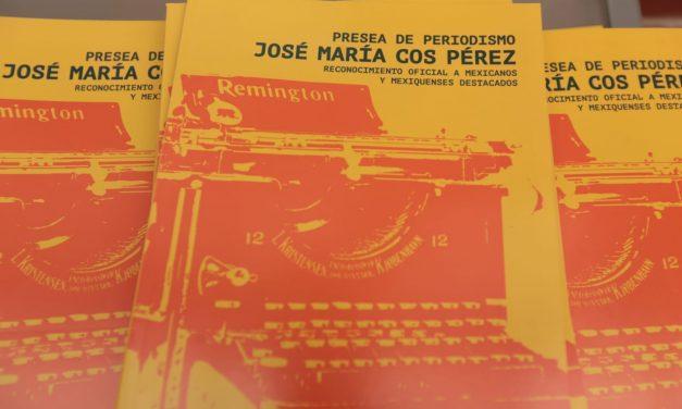 Eleazar Flores Arriaga recopila en un libro a periodistas ganadores de la Presea José María Cos, en Estado de México
