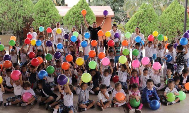Pelotón 2019 entrega más de 7 mil pelotas a niñas y niños del Estado: Sejuv