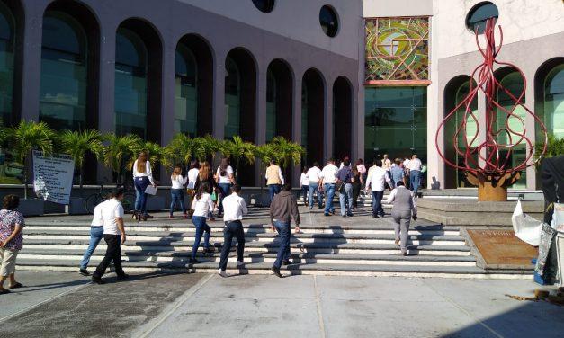Diputados ningunean simulacro por el sismo del 2003, solo asistió una legisladora