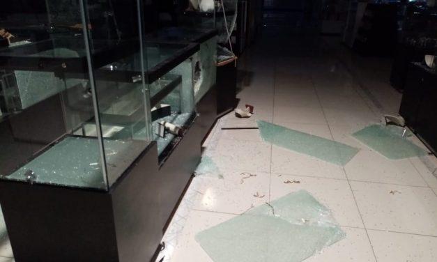 Millonario asalto en La Marina, San Fernando; no se han cuantificado las pérdidas.
