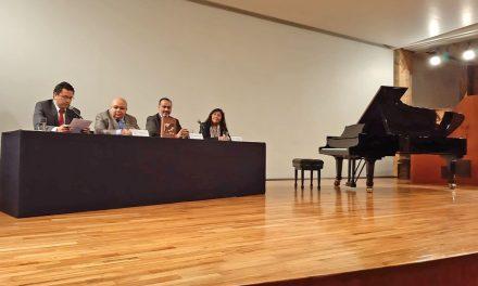 Presenta docente de la UdeC libro sobre Ricardo Castro, en la Ciudad de México