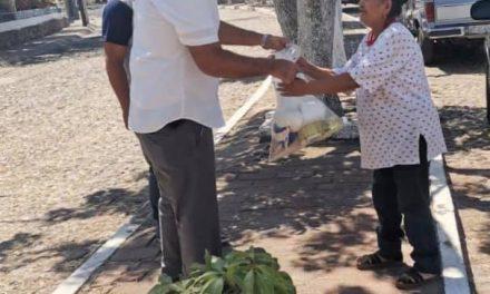 CONTINÚAN LOS APOYOS DE GAS DOMÉSTICO, DESPENSAS Y LECHE A PERSONAS DEL MUNICIPIO DE CUAUHTÉMOC