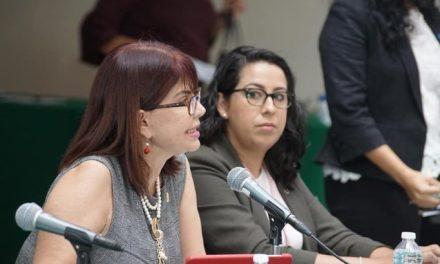Fustiga Claudia Yáñez a los diputados su falta de solidaridad y que no hayan dejado en libertad a la mamá de Anel Bueno Sánchez expresarse