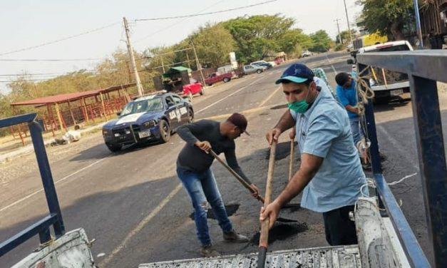 Arranca campaña de bacheo en la cabecera municipal de Cuauhtémoc
