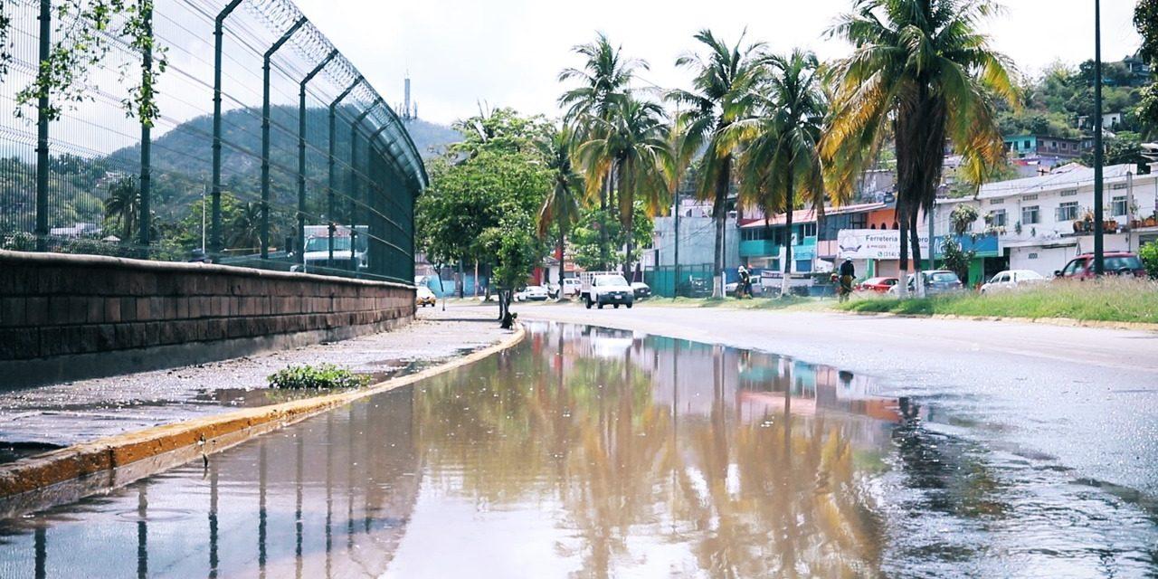 Insiste alcaldesa de Manzanillo a la API resolver de una vez por todas problema de  inundaciones en Las Joyas