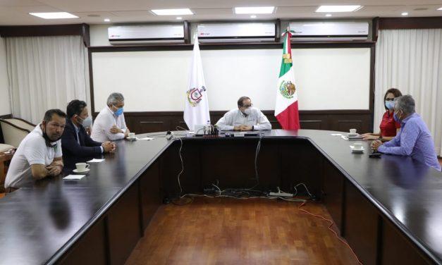"""Presentan a Gobernador avances del equipo Colima Fútbol Club """"Caimanes"""""""