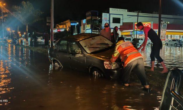 Deja lluvia de este martes por la noche inundaciones y afectaciones en Colima y Manzanillo: Protección Civil