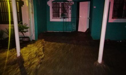 Tormenta eléctrica en Manzanillo, produce Más de 5 mil descargas, la madrugada de este 16 de septiembre