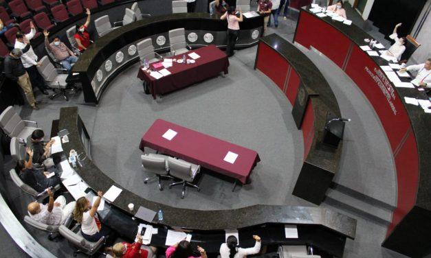 Con más de cinco meses de atraso aprueban nueva Ley de Educación en el Estado de Colima