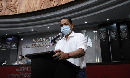 Agentes del Ministerio Público Federal investigan en el Congreso el caso de los supuestos jóvenes becados: Farías