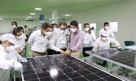 Gobernador inaugura en el Estado la fábrica de paneles solares más grande de México