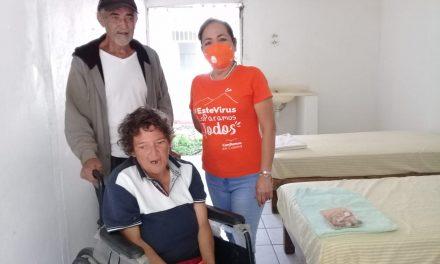 DIF municipal Colima rescata a pareja de ancianos que vivía en las inmediaciones del parque regional metropolitano