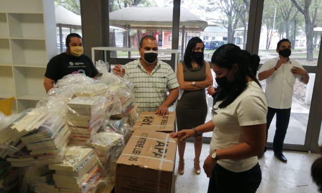 Secretaría de Cultura entrega más de 80 paquetes de libros para salas de lectura