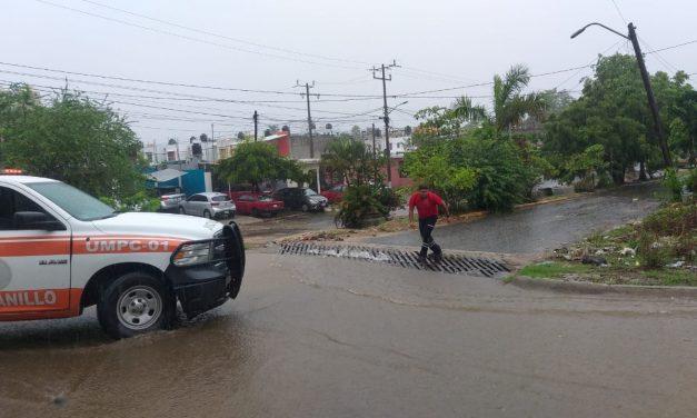 """Atiende Ayuntamiento de Manzanillo, reportes de daños provocados por """"Dolores"""""""