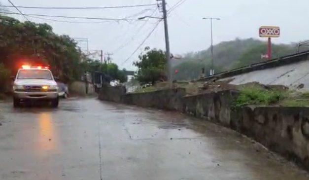 """no se registran incidencias graves en Manzanillo ante el paso de la Tormenta Tropical """"Dolores"""""""
