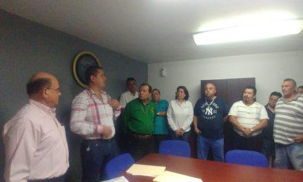 Sindicalizados de Tecomán, se reúnen con el Presidente  de la Comisión de Responsabilidades; le exigen actuar