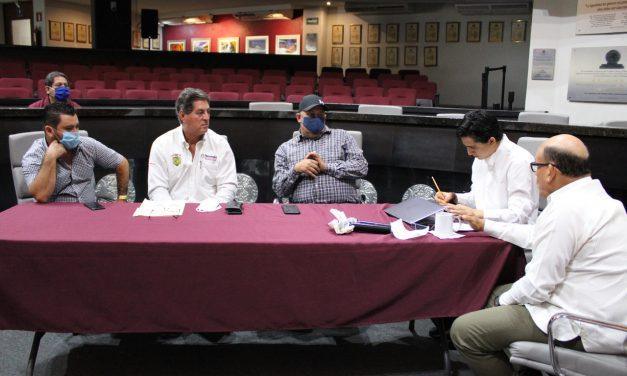 Alcaldes de Armería, Ixtlahuacán y Tecomán, acuden a solicitar apoyo económico al Congreso