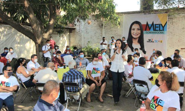 Mely Romero Sostuvo reuniones con prestadores de servicios turísticos de Cuyutlán, taxistas de Armería y vecinos